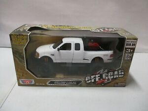 Motor Max Off Road 2001 Ford F-150 XLT Flareside Supercab 1/24