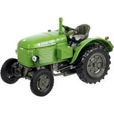 Tracteurs miniatures verts 1:87