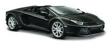 Lamborghini Aventador LP 700-4 Roadster matt schwarz Maßstab 1:24 von maisto