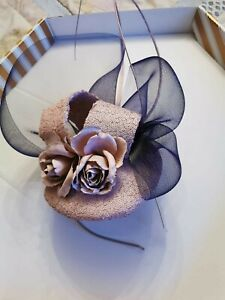 NEW Fasinator Headpiece Hat Wedding Mother Of The Bride Mother Of the Groom