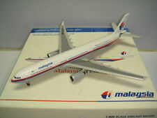"""Gemini Jets 400 Malaysia Airlines MH A330-300 """"1990s color"""" 1:400 Inflight Sales"""