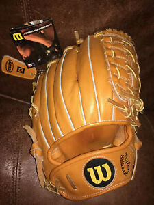 Wilson A2000  2004 Classic pattern Re-issue.  Ernie Banks.  NWT