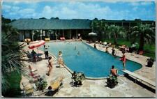 1950s Baton Rouge, Louisiana Postcard BELLEMONT MOTOR HOTEL Girls at the Pool!