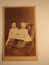 Fulda - 2 kleine Kinder - Mädchen und Kleinkind - Sessel / CDV