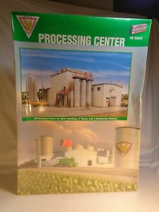 HO Scale Walthers Cornerstone Processing Center Plastic Kit No. 933-2976