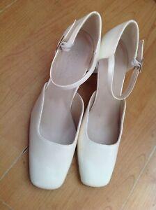 Ladies Cream Size 5.5/38.5 Wedding Shoes, Block Heel, New Shop Clearance