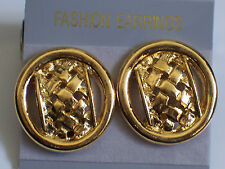 Clip-on earrings gold classic design round plaited detail