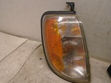 98 99 00 Nissan Frontier Xterra Right Side Corner Park Light OEM Fender Mounted