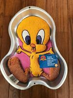 Wilton Tweety Bird Metal Cake Baking Pan Vintage Collectible
