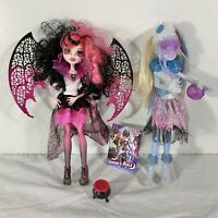 Monster High 2 Two Dolls Ghouls Rule Abbey Bominable 2010 & Draculaura 2010 EUC