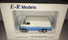 Trident MODELL 1 87 Chevrolet Van / Nr. 90046