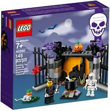 'LEGO 40260 Halloween Haunt Set BRAND NEW SEALED Free Shipping 2017' from the web at 'https://i.ebayimg.com/thumbs/images/g/xcAAAOSwEIFZvIPY/s-l225.jpg'