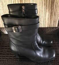 Tommy Hilfiger Women's US 6.5 Black leather Ankle Boot Pre Owned  zip up