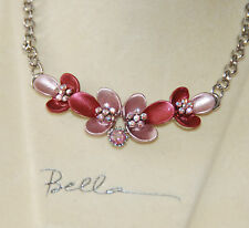 Flower Designed Necklace on Silver-tone Chain / Bella Fashion Jewelry