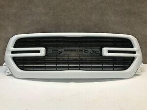 2019 2020 Dodge Ram 1500 Laramie Front Upper Bumper Grille White! OEM 19 20