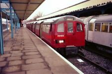 PHOTO  1991 HAINAULT RAILWAY STATION WITH RED TUBE TRAIN WHICH WAS OPERATING ON
