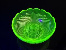 Saladier ouraline uranium glass art nouveau
