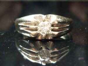 Stunning Heavy 18ct White gold Brilliant cut solitaire 0.25ct diamond ring.