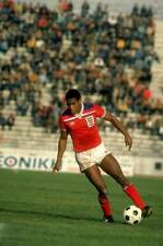 OLD SPORTS PHOTO Football 1982 John Barnes Of England U23 In Action