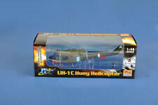 Easy Model 39318 - 1/48 uh-1c Huey Helicopter-gun platoon Sharks-US Army 1970