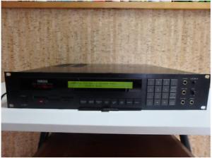 Yamaha TX16W Digital Wave Filtering Sampler Rackmount Sound Module From Japan