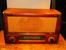 Beautiful Wooden Art Deco 1947 Westinghouse Model H-157 Tube Radio
