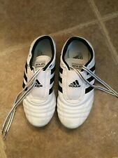 Adidas Low Cut Martial Arts Sneaker White w/Black Stripes Sz 6 1/2