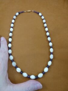 """(v461-114) 22"""" white Mother of Pearl + purple Amethyst gemstone beaded Necklace"""