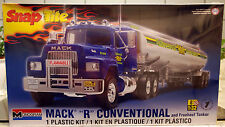 Mack R conventional W. Fruehauf petroliere, 1:32, Revell USA 1961