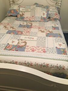 Shabby Cottage Farmhouse Quilt Set