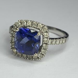 14ct White Gold Blue and White Sapphire Ring Size N