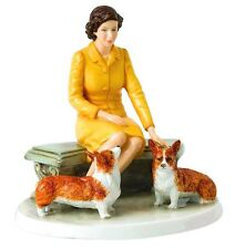 Royal Doulton Her Majesty Queen Elizabeth ll At Home w/Dogs HN5807 Lmt Edit New