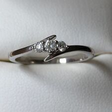 18ct White Gold diamond trilogy 3 Stone ring Round Brilliant Cut Diamonds
