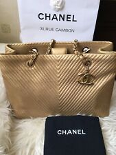 Auth CHANEL CHEVRON Shopper Tote Calfskin Gold Large In antique GHW CC Charms