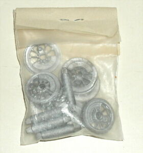 SET OF 4 FLANGED DRIVERS, 4 BLIND DRIVERS, 4 AXLES NEW HO