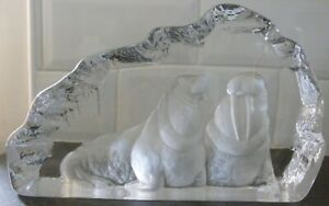 Mats Jonasson Scandinavian Ornamental Signed Crystal Glass Walruses Sculpture