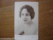 carte postale ancienne CPA Postcard LES PLUS BELLES FEMME DE FRANCE l hirondelle