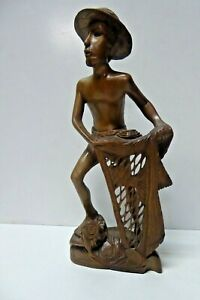 VINTAGE WOODEN FINELY CARVED STATUE FIGURINE OF ASIAN FISHERMAN