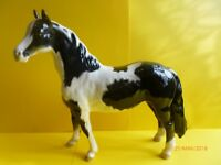 BESWICK BLACK AND WHITE PINTO PONY 2ND VERSION LOOSE TAIL