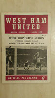 1967/68 Football League WEST HAM UNITED v WOLVERHAMPTON WANDERERS 11th December
