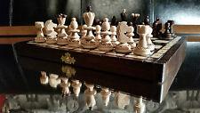 """Belle Perle en Bois"""""""" chess set! ornements brûlé sur échiquier & pieces!"""
