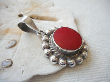 Vintage Plata Mexico Sterling Beaded Edge Round Red Jasper Pendant   RE417