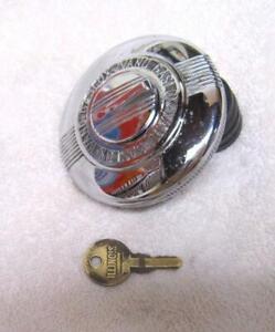32-34-36-38-41 CHEVY-BUICK-CADILLAC-PACKARD-DODGE-IVANO-GASLOX LOCKING GAS CAP