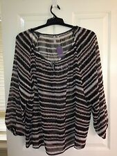 Piper Woman Size 22 Print top with full length sleeves Plus Size