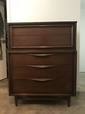 Huntley Quality Furniture Mid Century Chest of Drawers