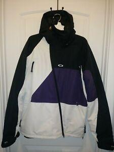 Oakley Snowboard/Ski Jacket - Mens Large Regular Fit- Thinsulate - Color Block