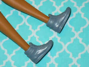 Mattel Barbie Doll Shoes ~ FASHIONISTAS ~ GRAY SNEAKERS GYM SHOES for FLAT FEET