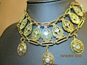 VINTAGE STYLE JEWELLERY - BEAUTIFUL GOLD TONE BEJEWELLED CHOKER - BN & UNWORN