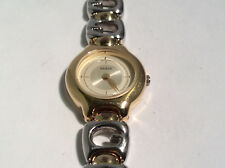 Guess G65916L Women's Watch Analog Dial Gold Tone Case Water Resistant