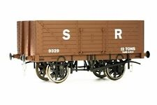 Painted O Gauge Model Railways and Trains